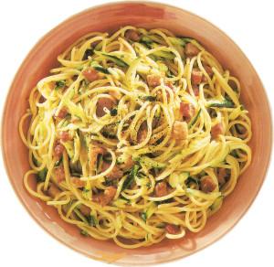espaguete com abobrinhas