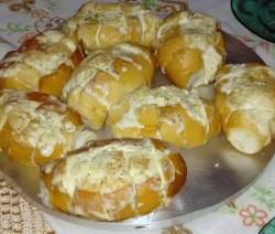 pão de alho pronto - pão bem crocante e pasta de alho derretida